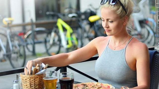 다이어트 중단 후 몸짱 된 여자