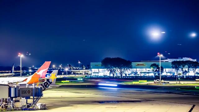 별똥별 우주쇼 같은 공항의 모습