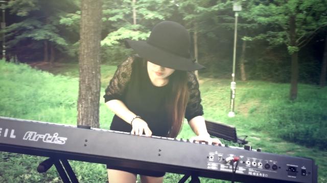 안크는나무/First Digital single [UNDER MY TREE]입니다.