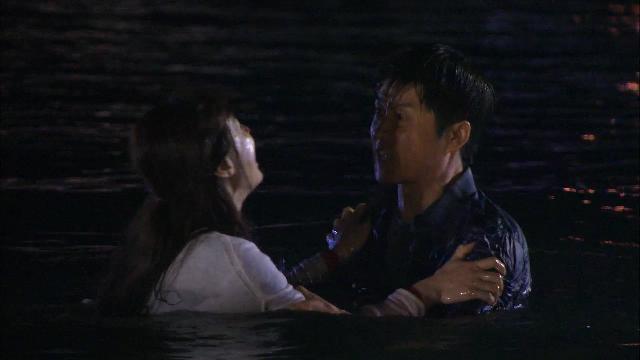 1회, 딸 잃고 바다에 빠져 죽으려는 영혜(도지원) [황금무지개] 20131102