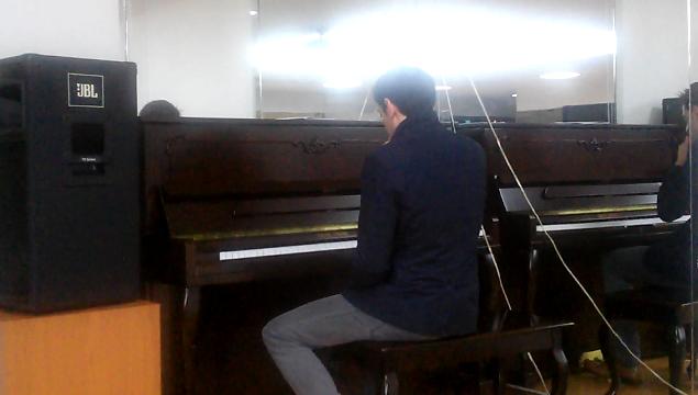 독일 다니엘 피아노 연주 직캠