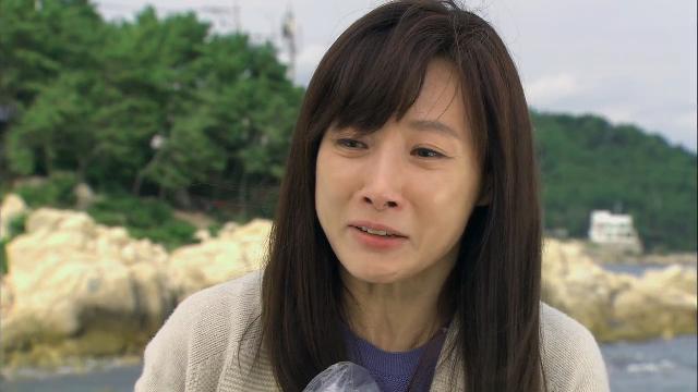 1회, 하빈(이채미)이 죽은 줄 알고 오열하는 영혜(도지원) [황금무지개] 20131102