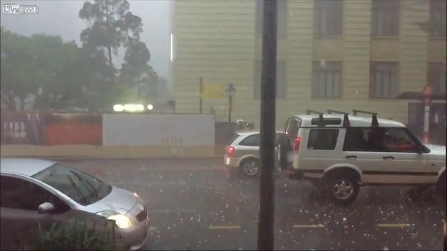호주에 갑자기 불어닥친 폭풍