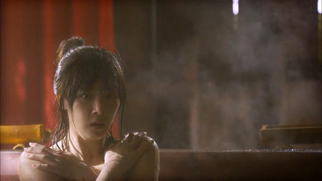 1회, 하지원 목욕 중에 주진모 방문? '아슬아슬 목욕신' [기황후] 20131028