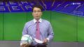 지소연, 생방송 중 뉴스 앵커와 '헤딩 대결'