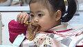 군침 도는 라희 라율 짜장면 먹방