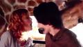 키스 1초 전 커플 본 기린 헉!