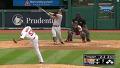 점수 뒤집는 김현수 첫 홈런