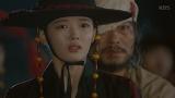 궁에서 탈출에 성공한 김유정