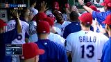 기립한 투런 홈런