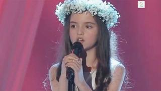 믿기지가 않는 8살 소녀 목소리