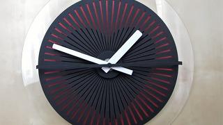 사고 싶게 만든 신기한 시계