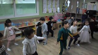 댄스활동 - TT