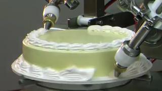 인간미 떨어지는 케이크