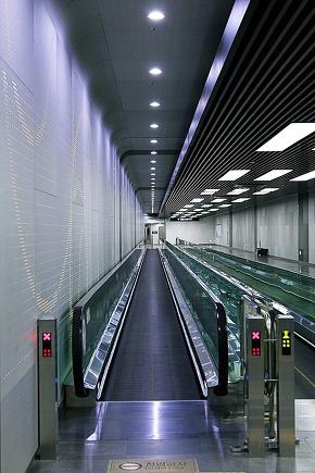 underground scenery in Seoul Ichon Station