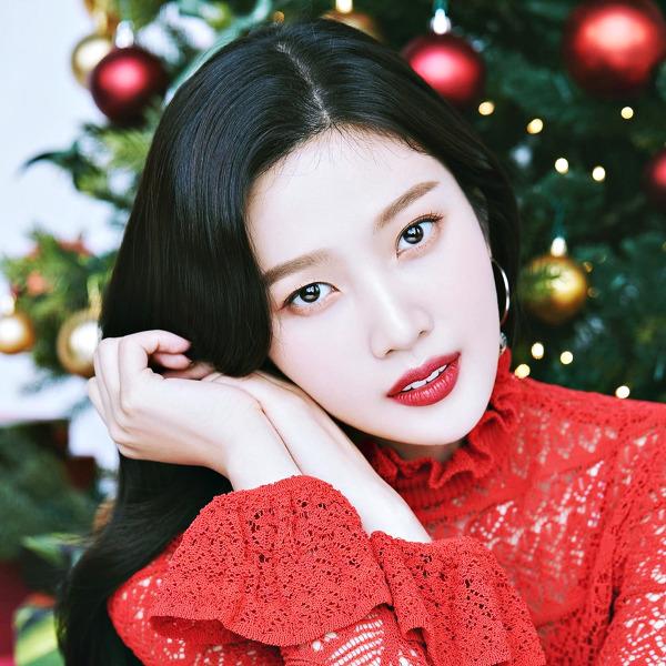 레드벨벳(Red Velvet) 조이(JOY) 아베다 2020 홀리데이 컬렉션 고화질 화보 4장