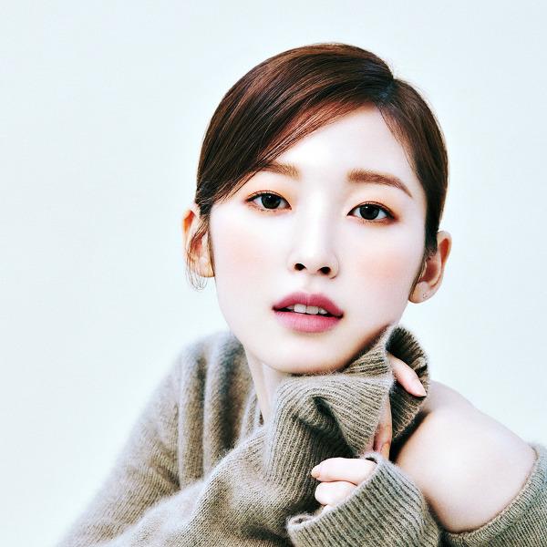 오마이걸(OH MY GIRL) 아린(Arin) 싱글즈 2021 1월호 고화질 화보 4장
