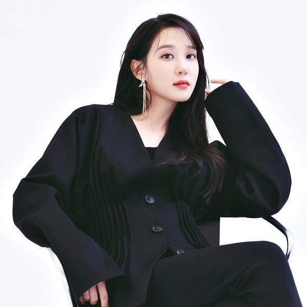 박은빈(Park Eun-bin) 릿터 2020 8-9월호 고화질 화보 3장
