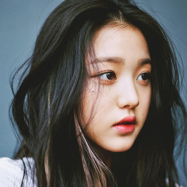 아이즈원 장원영 GQ 2020 7월호 고화질 화보 4장