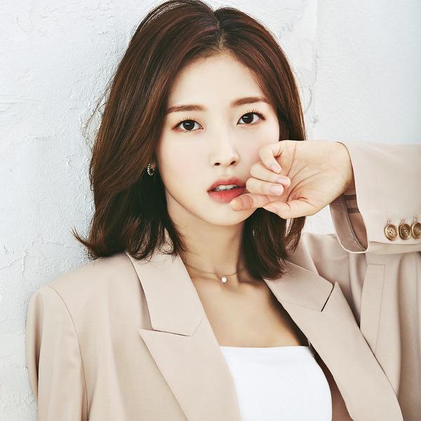 오마이걸(OH MY GIRL) 2021 시즌 그리팅 고화질 8장 + 헌혈 퀴즈대회 비하인드 사진 21장