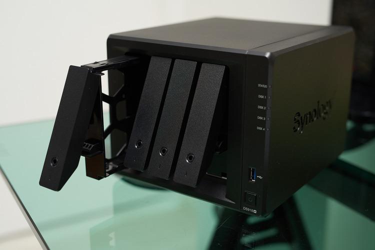 시놀로지 나스 DS918+ 개봉기