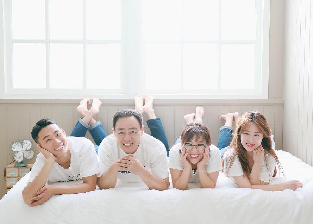 [대전가족사진] 편안한 웃음이 매력적이었던..