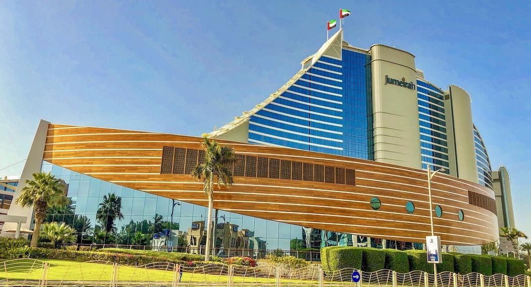 [두바이] 개장 21주년 맞아 대대적인 리노베이션으로 새롭게 변신한 주메이라 비치 호텔!