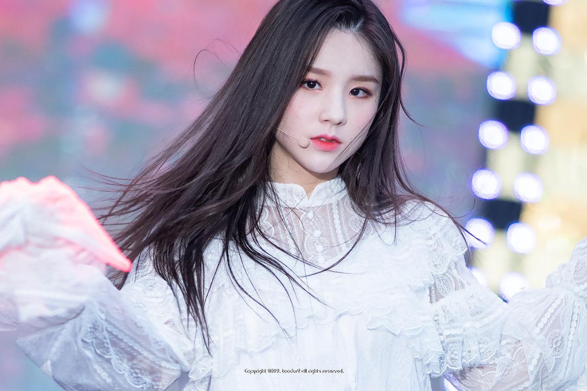 이달의 소녀 (LOONA), 희진 (HeeJin): 양산 웅..