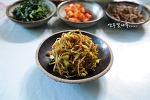 초록콩나물로 만든 ...빨간 콩나물 볶음^^