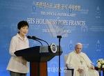 한두 줄의 단상들 ㅡ 교황과 대통령, 허수아비와 닭