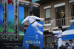 부산 동구 차이나타운 문화축제에서 태권도 시범단의 공연
