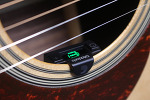 기타 튜닝기. 헤드에 꽂지 마세요. 필요할 때 바로 쓰는 사운드홀 튜너 리뷰