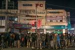 새벽 구로 인력 시장.. 여기는 중국인가?