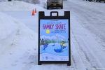 """알래스카 """" 스케이트장의 축제 """""""