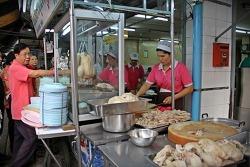 펫부리 쏘이 20의 카오만 카이 식당들