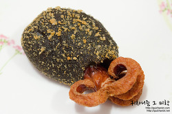 ▩파리바게트▩ 쭈꾸미야? 문어야? 생김새가 특이한 오징어 먹물 브레드