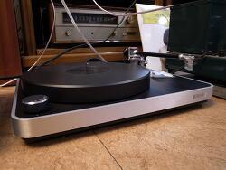 독일 클리어 오디오 (Clear Audio) Concept 턴테이블 입니다.-데논103채용-