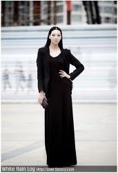 8등신 몸매를 압도하는 패션모델의 매력