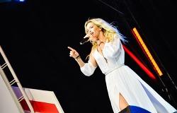 러시아 최고 섹시 아이콘은 두 딸의 엄마, 볘라 브레쥐네바
