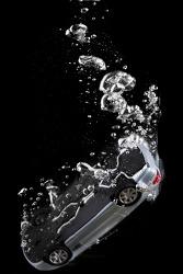 물에 빠진 자동차에서 탈출하는 방법