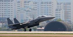 샌드위치 신세 된 F-15K