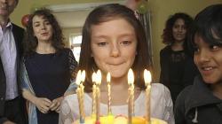 시리아 내전으로 무너진, 어린 소녀의 행복했던 삶 - 세이브더칠드런(Save the Children)의 TV광고 '소원(Wish)'편 [한글자막] '시리아'(#Save Syrias Children)