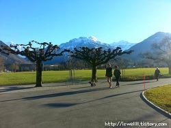 스위스 인터라켄여행; 인터라켄 동역 서역