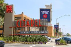 메모리얼데이 연휴의 시작은 아울렛트레일~ LA의 쇼핑명소로 거듭난 시타델아울렛(Citadel Outlets)