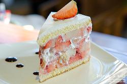 ▩대구/동성로 맛집▩ 말이 필요없는 딸기 케이크의 지존. 커피명가 본점