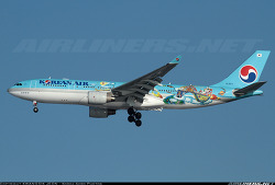 Korean Air / Airbus A330-223 / HL8211