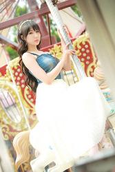 용마랜드 회전목마의 그녀 MODEL: 연다빈 (3-PICS)