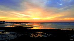 바다물이 나간 자리… '노을빛'이 가득가득히