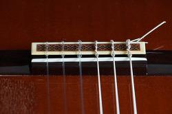 클래식기타(통기타)의 기타줄 교체시기와 기타줄을 풀어놓는 이유