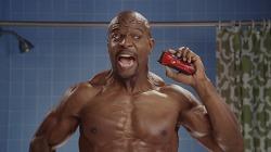 테리 크루즈(Terry Crews)가 등장한 올드 스파이스(Old Spice)의 전기 면도기 TV광고'Get shaved in the face' [한글자막]